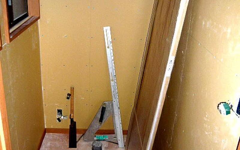 廊下広縁の床の張替工事です。今回は無垢にこだわりました。その3