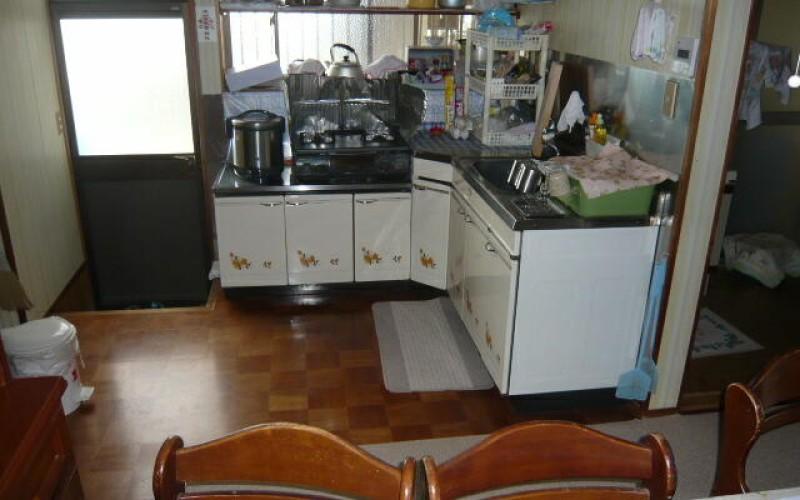 L型システムキッチンのリフォーム施工事例
