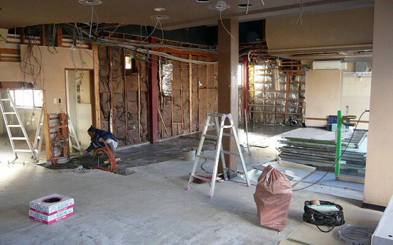浜松市中区幸町の先輩のお店の店舗新装工事がスタート~その2~解体工事終了-土間打ち工事