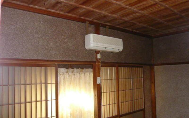 浜松市浜北区で築年数が私よりもずっと年上の平屋のお宅のリフォーム工事がスタートしました。