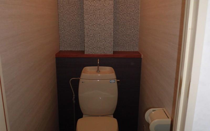 カーペット→フローリングの現場ですが、トイレの内装がお洒落になったので先に紹介!!