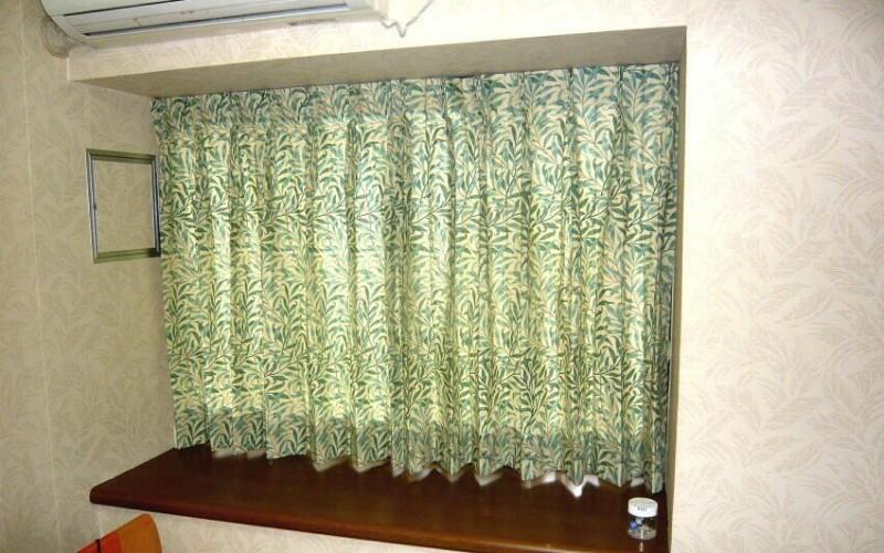 ウィリアム・モリスのウイローボウのカーテンです。豊かな住空間の提供です。