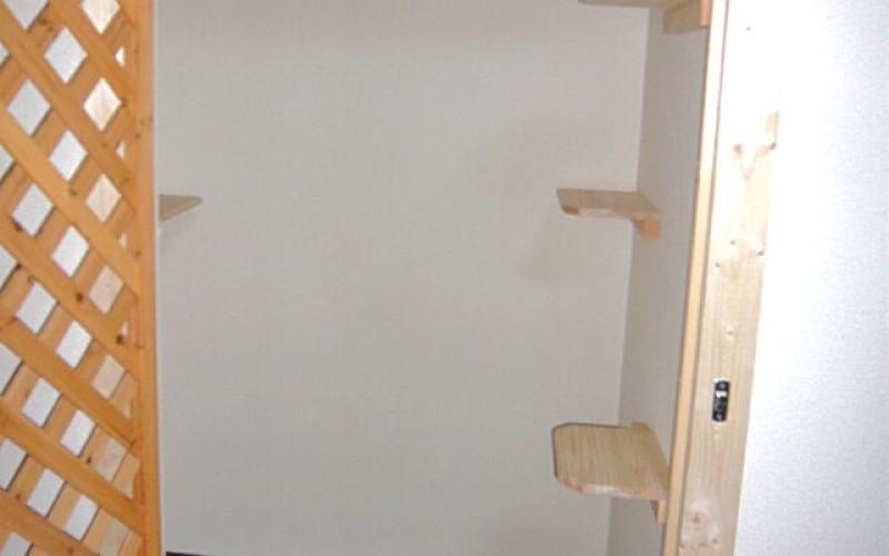 ペットリフォーム浜松の施工事例です。今回はネコちゃんのためにです。
