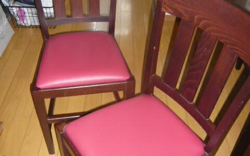食卓いすの座面の張り替え工事の施工事例です。インテリアリフォームは得意です。