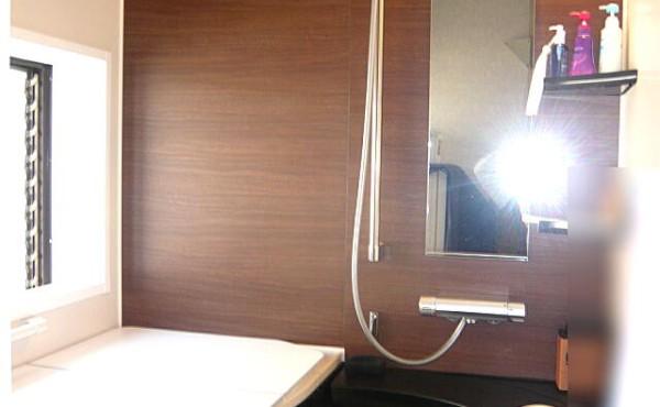 浜松市の浴室リホームの施工事例です。今回は戸建住宅2階部分の浴室リホームです。のサムネイル