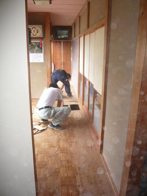 浜松市東区の床の張替工事の施工はインテリア研究事務所にご相談お任せください。
