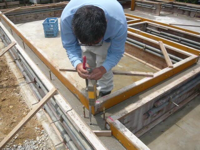 家の基礎工事のレベル合わせ