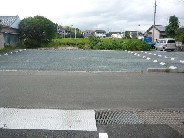 インテリア研究事務所の駐車場整備