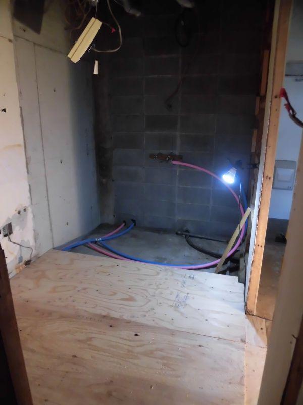 洗面所の床下地