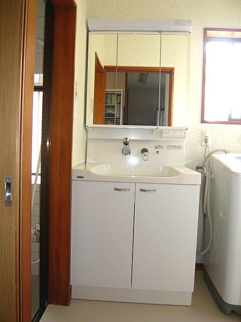 洗面化粧台をお安くリフォーム浜松