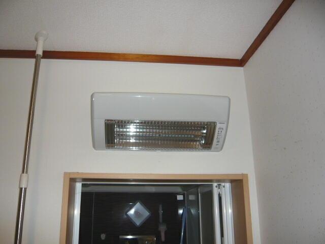ヒートショックから守る洗面所の暖房器具