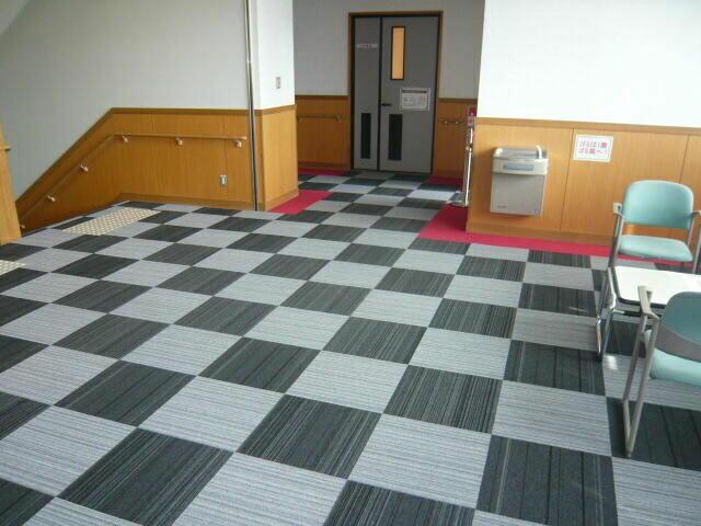 タイルカーペットの張替えの施工例
